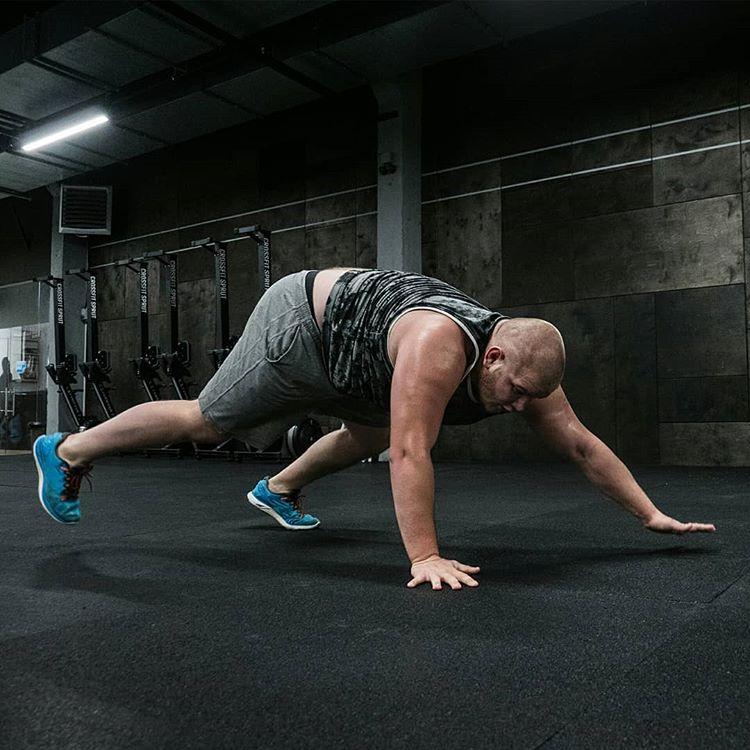 Тренировка бойца MMA
