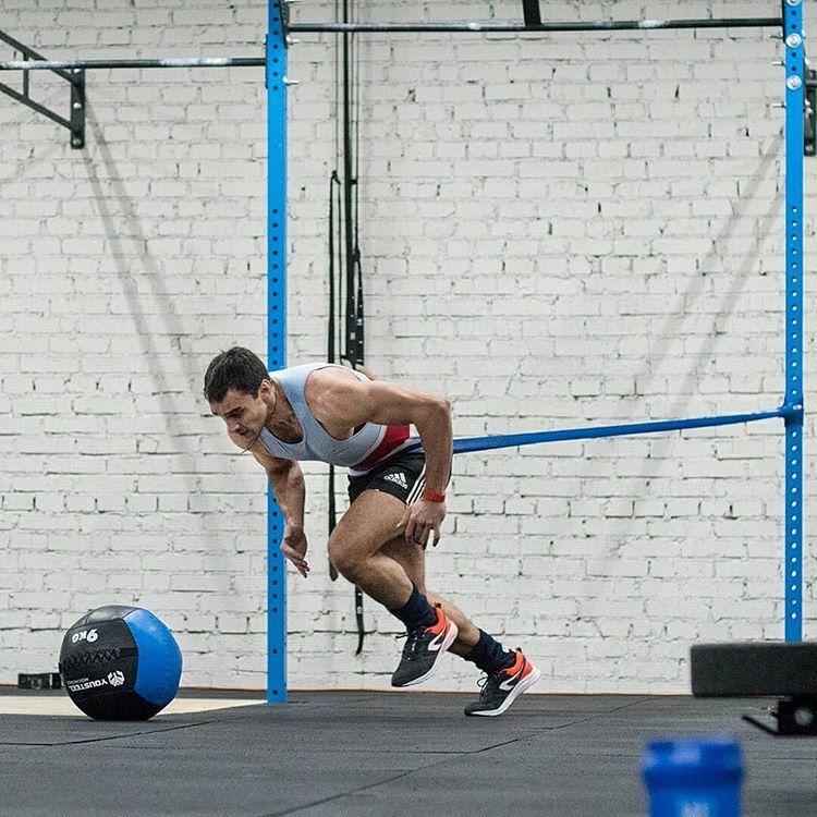 Кроссфит-тренировка профессионального регбиста