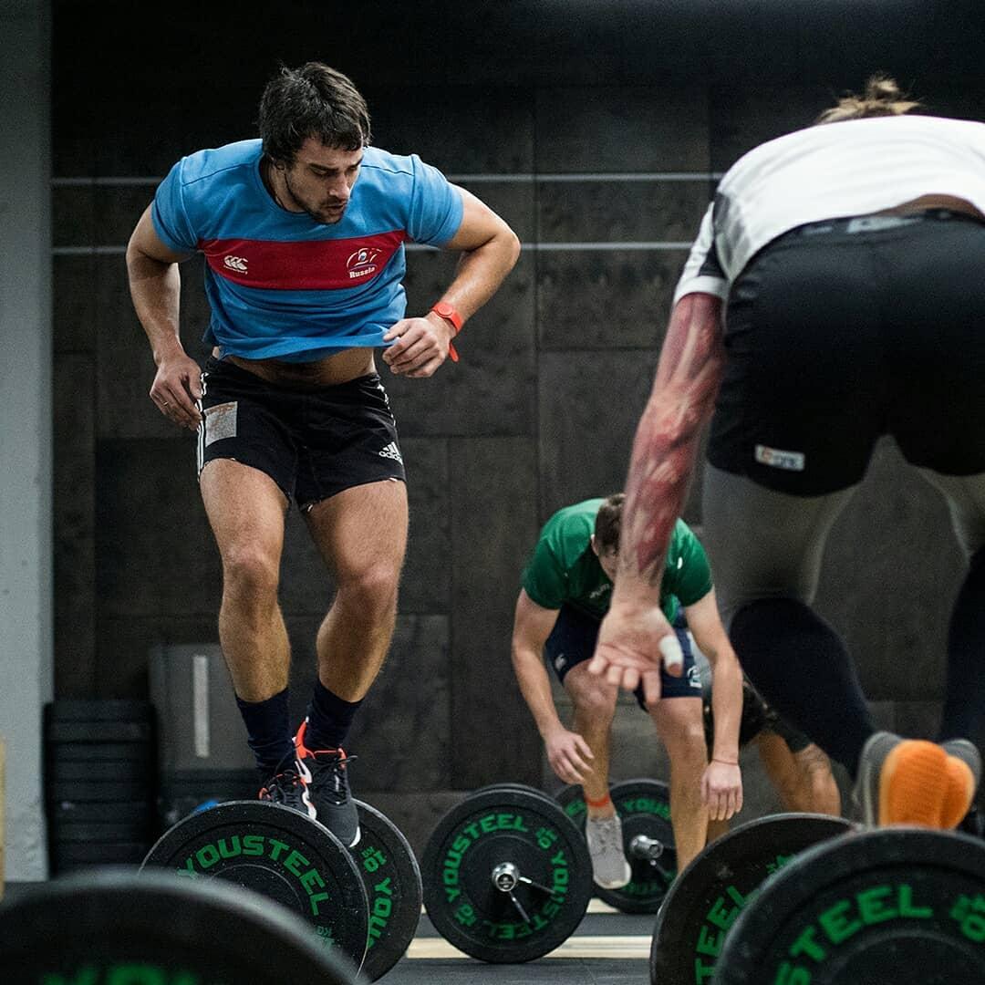 Тренировка команды регбистов Красного Яра